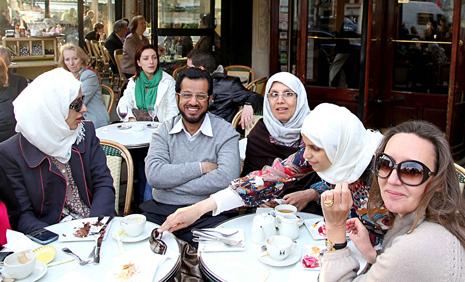 10d23 Varios barrio Familia musulmana St Germain Uti