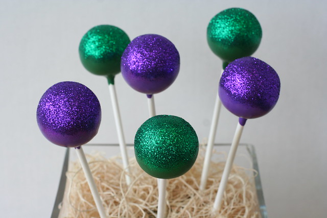 Gluten-Free and Glittery Cake Pops!