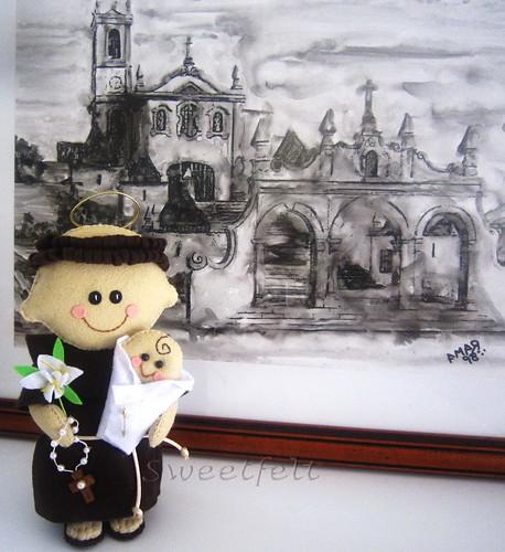 ♥♥♥ Sto António... e ao fundo a Igreja de Sto António dos Olivais em Coimbra, onde toda a minha família casou e foi baptizada... by sweetfelt \ ideias em feltro
