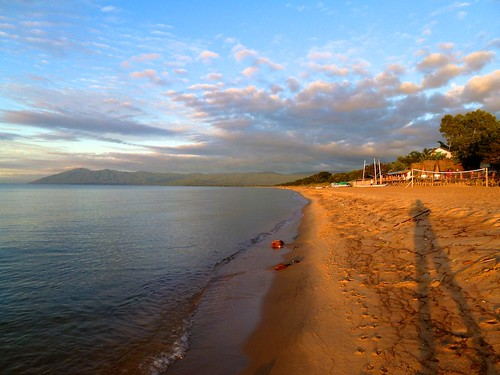africa shadow beach sunrise alone malawi lakemalawi lade kande tildesley