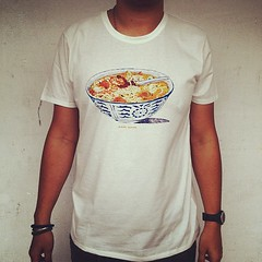 #singapore 's new tourist tshirt, #nomnom, dish #1 #singapore