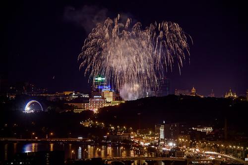 Kiev - fireworks over Maidan Nezalezhnosti, view from Obolon