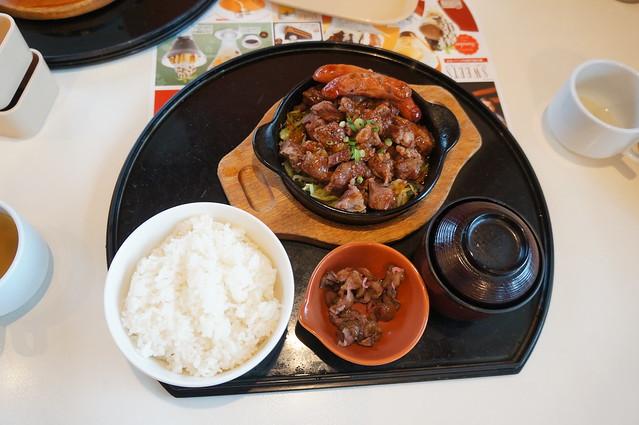BIGガストフェア_牛煮込み鉄板定食