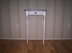 small spindle leg table