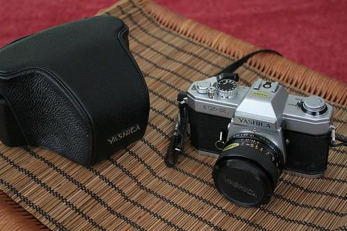 Yashica FX-2