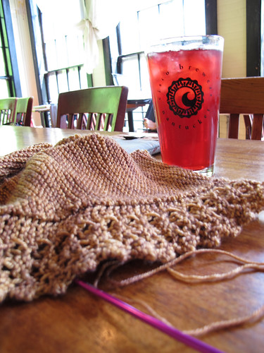 Knitting and Iced Tea at the Lady Killigrew
