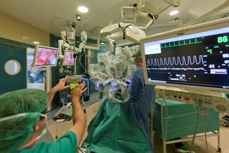 AionSur 13734505833_8f45b0319d_o_d El Hospital Universitario Virgen del Rocío actualiza su Plan de Atención a Múltiples Víctimas     Salud Sociedad