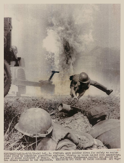 Cai Lay Vietnam  city photos : 1972 Vietnam War Cai Lay ARVN Soldier Dives For Safety From Mortar ...