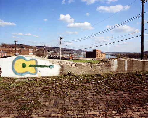 120 mamiya film mediumformat mural kodak guitar pennsylvania rochester chemistry pros 6x7 portra 160 rb67 c41 unicolor newtopographics