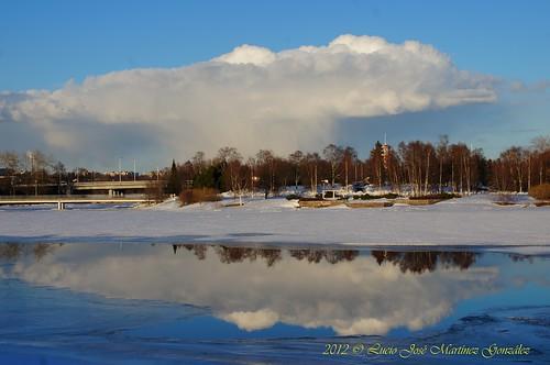 winter lake clouds suomi finland geotagged lago nubes invierno oulu scandinavia linna finlandia escandinavia oulun luciojosemartinezgonzalez luciojosémartinezgonzalez northernostrobothnia geo:lat=6501602 geo:lon=254605 castillodeoulu