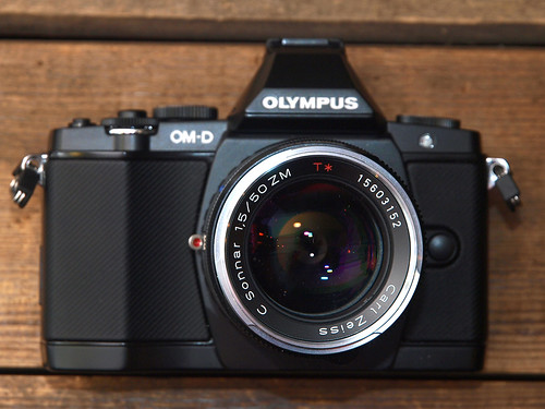 OLYMPUS OM-D E-M5 + Carl Zeiss C Sonnar T*1.5/50 ZM