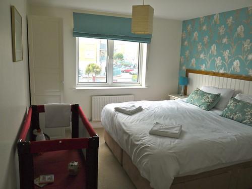 Sea Fizz holiday apartment bedroom 1