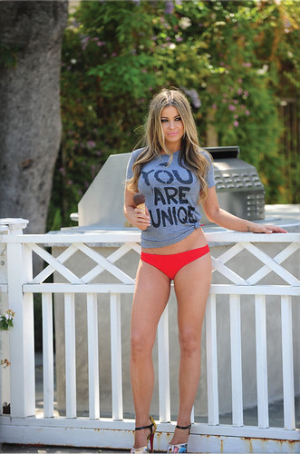 Images Of Carmen Electra