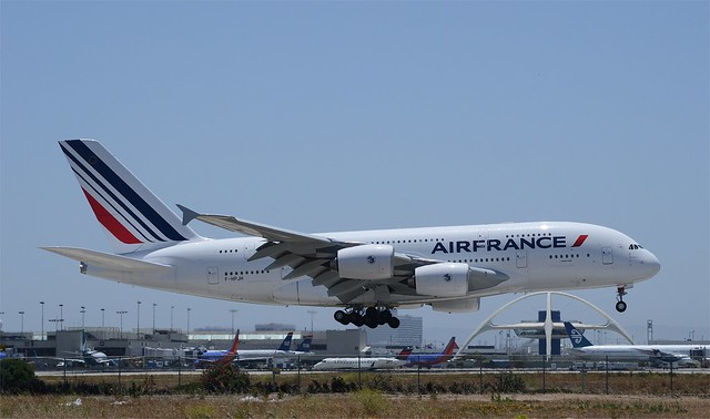 Air france a380 inaugural lax landing 2 pictures for A380 air france interieur
