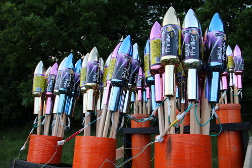 60 x Epic Firework Rockets - For Queen & Country