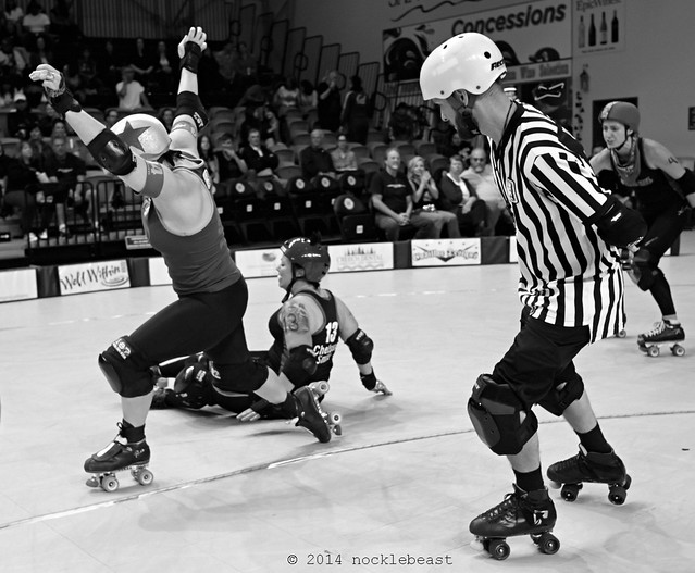 1hellcats_vs_queens_L1040149 (1)