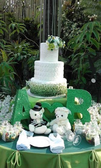 Cake by Jennyline del Carmen of Sugar Cravings by Jen