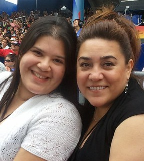 Latina Bloggers @Maybelline_V & @ASBestRecipes Enjoying Elvis Crespo Concert