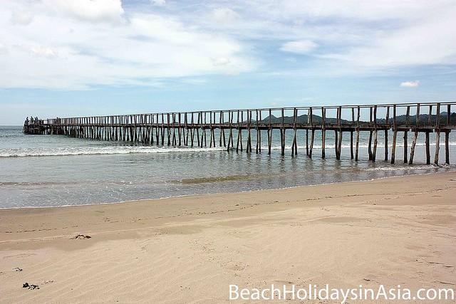 El Nido Airport Beach