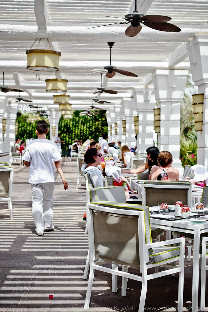 Dubai2012-800px-WM-0069