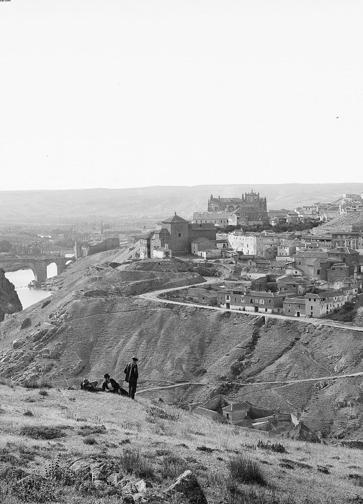 Vista de Toledo hacia 1900. Fotografía de José Lacoste y Borde. © Archivo Ruiz Vernacci. Fototeca del Patrimonio Histórico