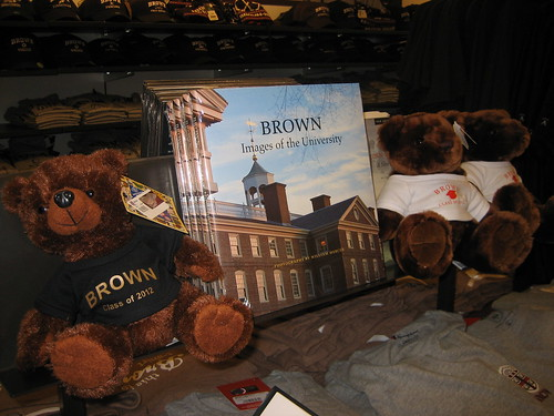 IMG_4904 Brown Bookstore stuffed bears