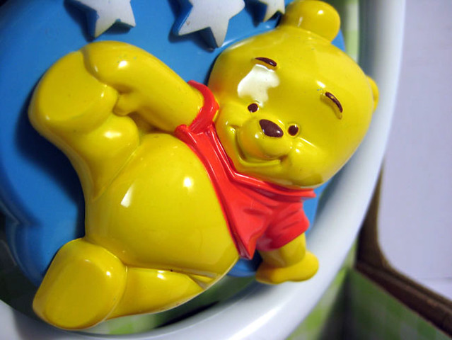 DISNEY Winnie The Pooh Baby Spinning High Chair Suction