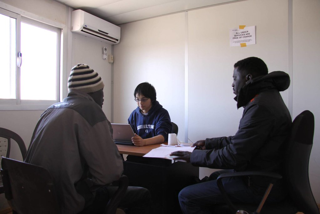 UNHCR News Story: UNHCR strives to find solutions for refugees at Egypt-Libya border