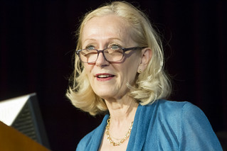 Paula Bennett, Pace Setter Executive Award Recipient