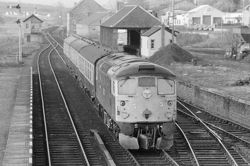 train scotland diesel rail railway trains railways sulzer dingwall type2 dieselelectric class26 scottishrailways scottishdiesels dieselelectrics scotlandsrailways brushsulzer brdieselsinblackandwhite scottishroving brdieselsinthe1980s