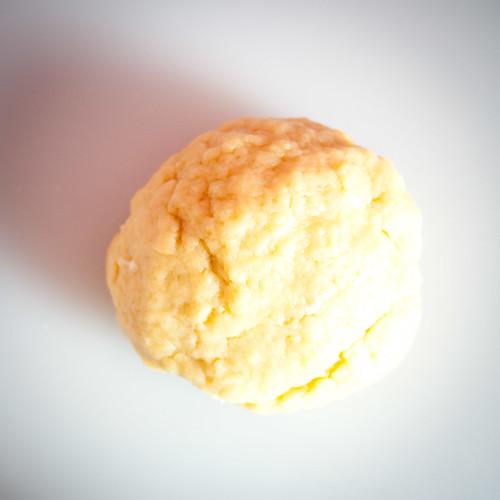 Préparez de la pâte à tarte