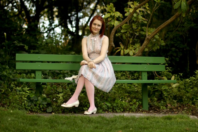 park bench perch