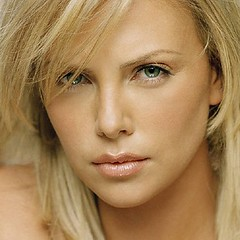 Charlize_Theron_Charlize_Theron_15