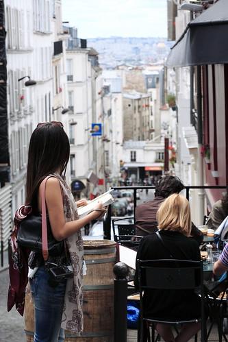 相當喜愛蒙馬特這街道往下看的街景