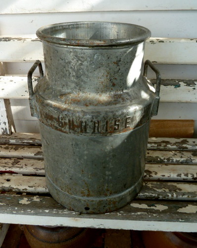1940s 1950s galvanizedsteel creamcan