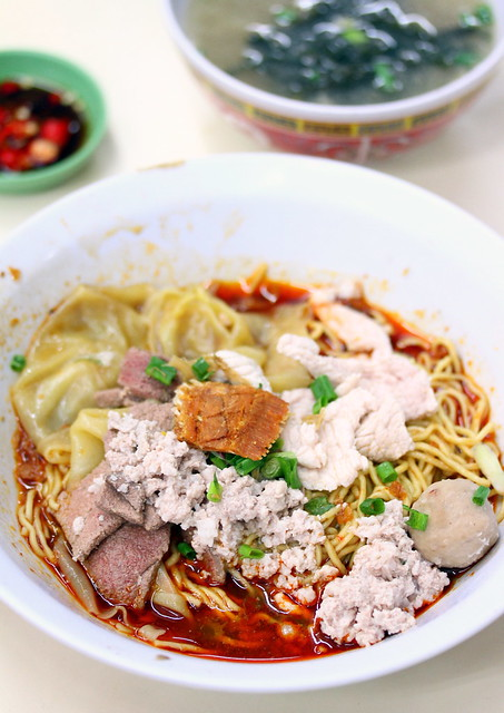 希尔街大华猪肉面-新加坡最好的烤肉面