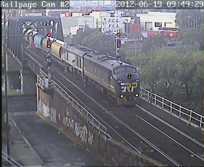 S312-EL60 3MC5 EL Zorro SG 'Emerald' grain to The Rock 19-6-2012 by Railpage Bunbury Street