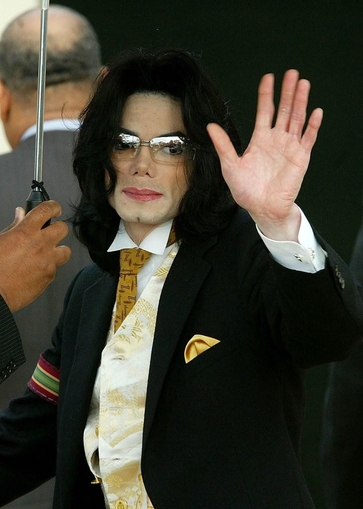 Майкл Джексон. Болезнь кожи - витилиго