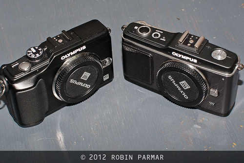 E-PL2 (left) and E-P2 (right): front view