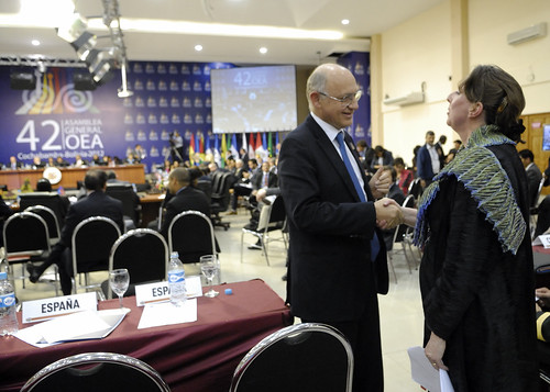 History Made: Argentine Foreign Minister and British representative for the Americas shake hands at OAS General Assembly in Cochabamba