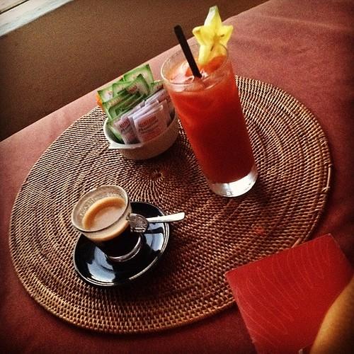 Drinks E Cafezinho @ Bar dos Descasados. Hotel Santa Teresa.