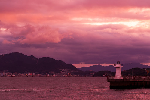 sunset sea lighthouse haven japan landscape minolta harbour zee 日本 5d konica dynax vuurtoren strait landschap kitakyushu straat 灯台 shimonoseki konicaminoltadynax5d 関門海峡 港湾 北九州市 下関市 kanmonstraits