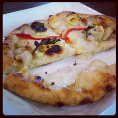 Famoso Neapoletan Pizza (pollo pizzeta)