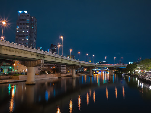 Dojima River at Night by hyossie