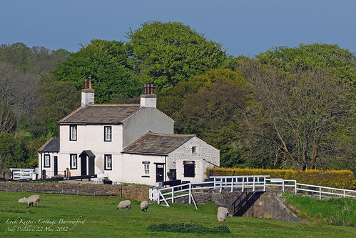 Barrowford Locks Keepers Cottage by Andy Pritchard - Barrowford