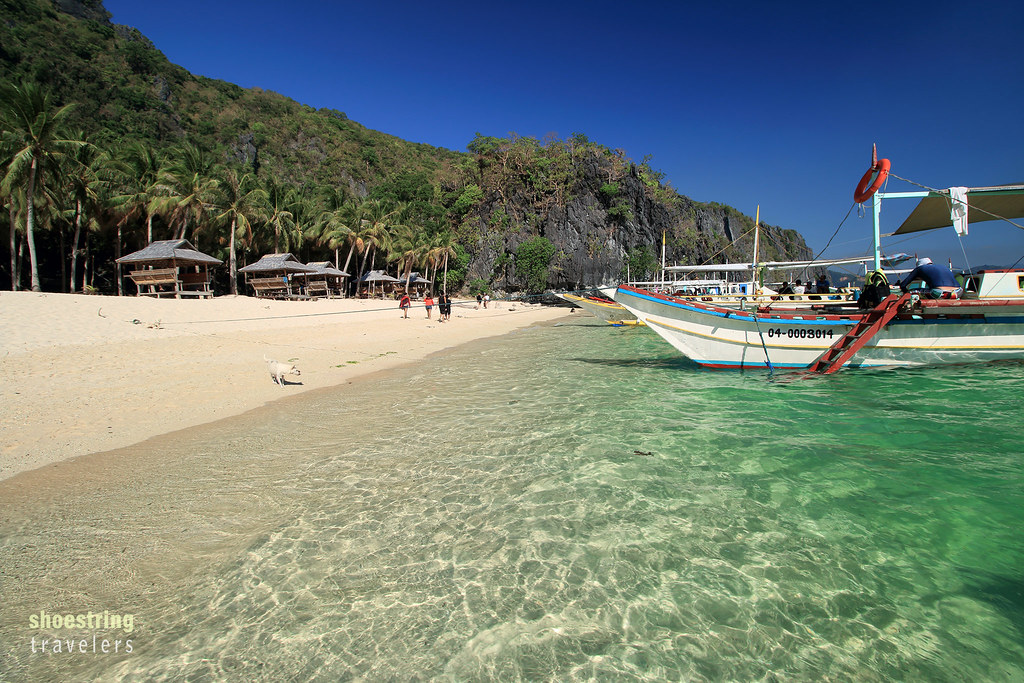 tour boats at Seven Commandos Beach, El Nido