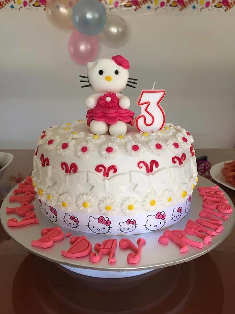 Hello Kitty Cake by Nishee Cakes