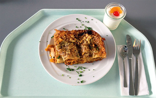 Lasagne mit Hackfleischsauce / Lasagne with ground meat sauce