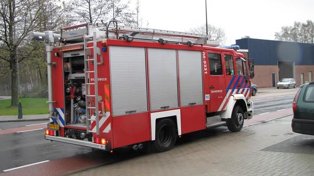 10-04-2012_PRIO-1-Brand-FabrikageOpslag-Slotboom-H-J_BV_Timmerfabriek_Industrieweg_Remco (10)