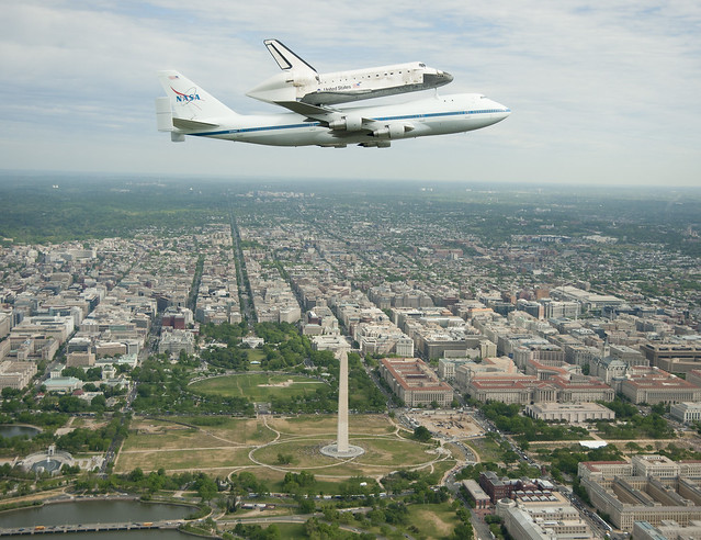 Space Shuttle Discovery DC Fly-Over (201204170006HQ)